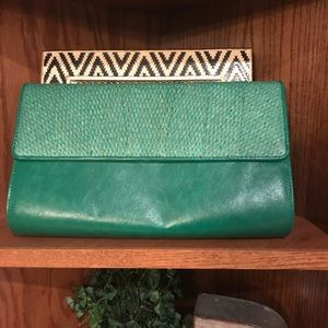 Handbags - NWOT!! Green clutch